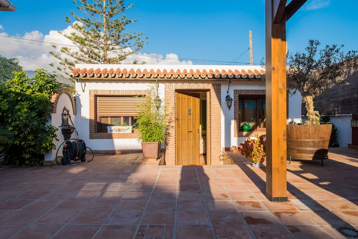Private studio with pool and barbecue - Nerja - Casa