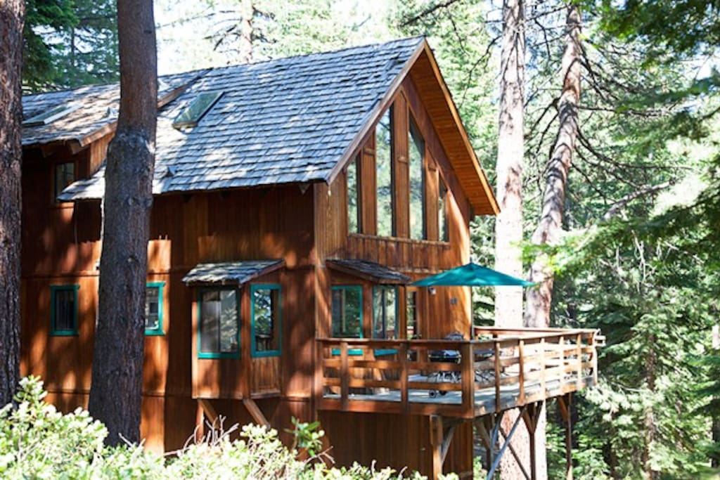 Cozy forest cabin houses for rent in incline village for Cabin rentals in nevada