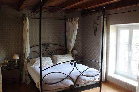 """Chambre """"Rose des sables"""" dans un gîte en Sologne - Crouy-sur-Cosson - Luontohotelli"""
