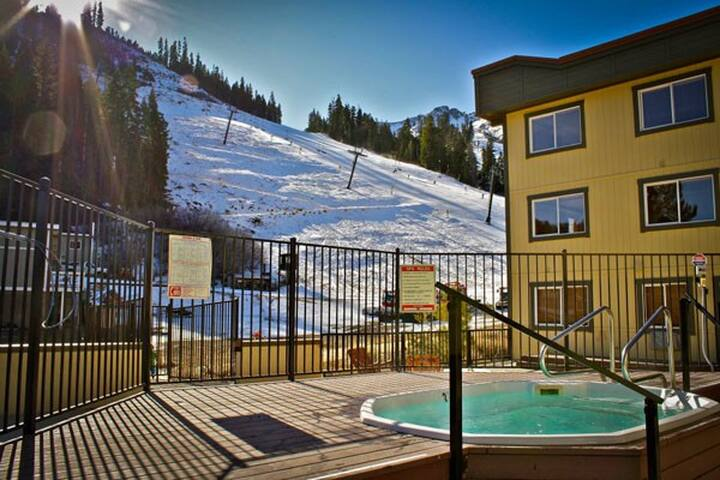 Squaw Valley Studio, Ski in/Ski out - Olympic Valley - Timeshare