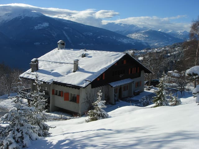 5-star chalet, sauna and Jaccuzzi
