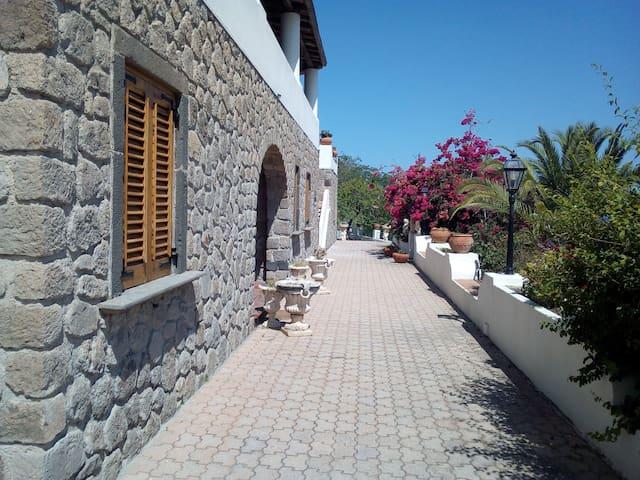 Villa Maria Lipari Stanza Marinara