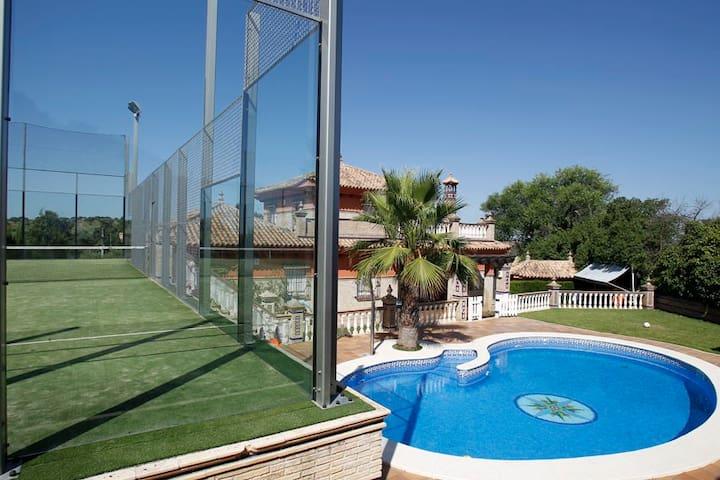 CASA CON PISCINA Y PISTA DE PADEL - Castilblanco de los Arroyos - Casa