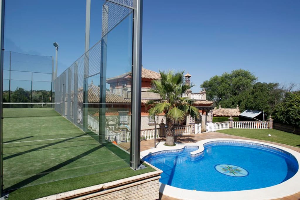 Casa con piscina y pista de padel case in affitto a for Piscinas picornell padel