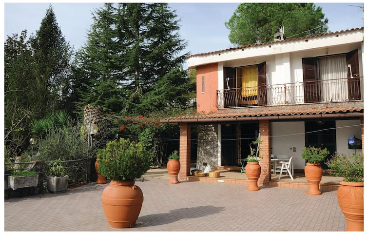 Semi-Detached with 3 bedrooms on 100 m² in Torre Orsaia (SA)