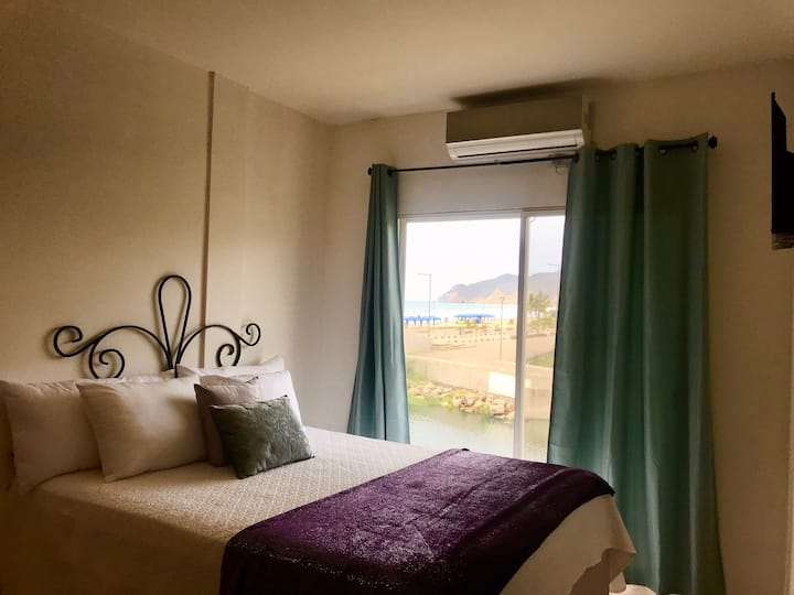 Beachfront B&B. Queen Room stunning views