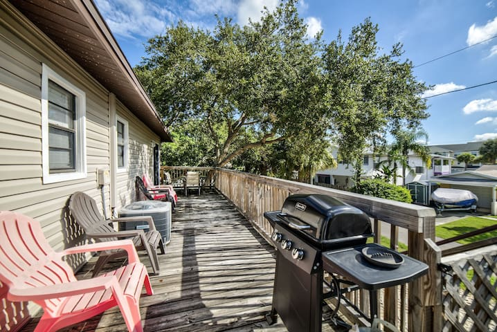 Come enjoy our Indian Rocks Beach vacation rental.