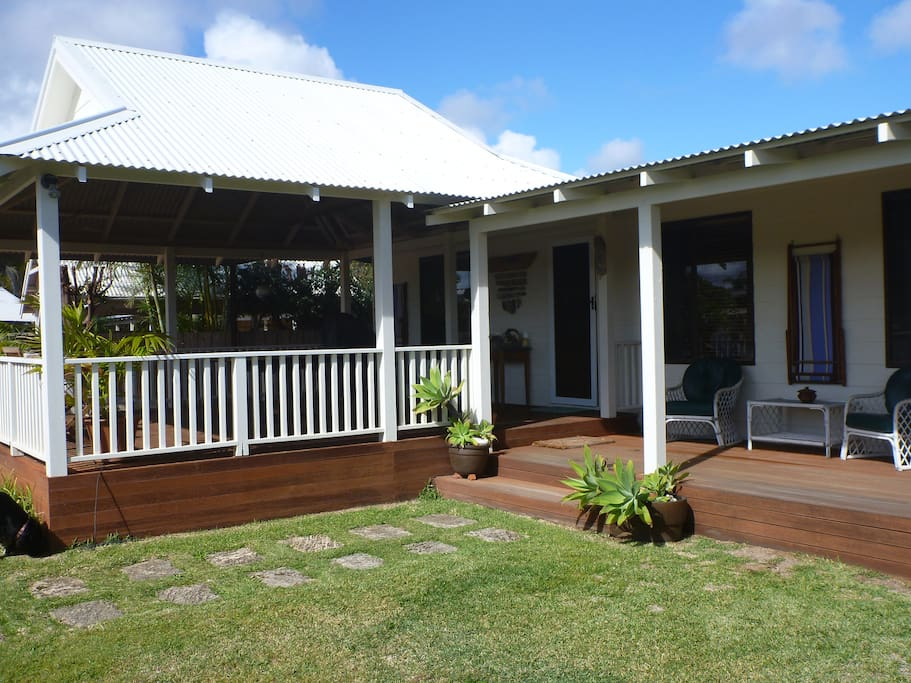 Large all fresco deck and private enclosed court yard.