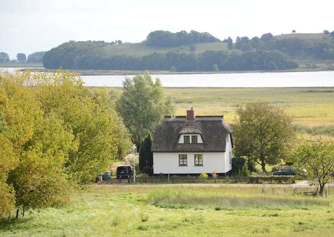 """Altes Backhaus"" Seeblick Reetdach - Gager - House"