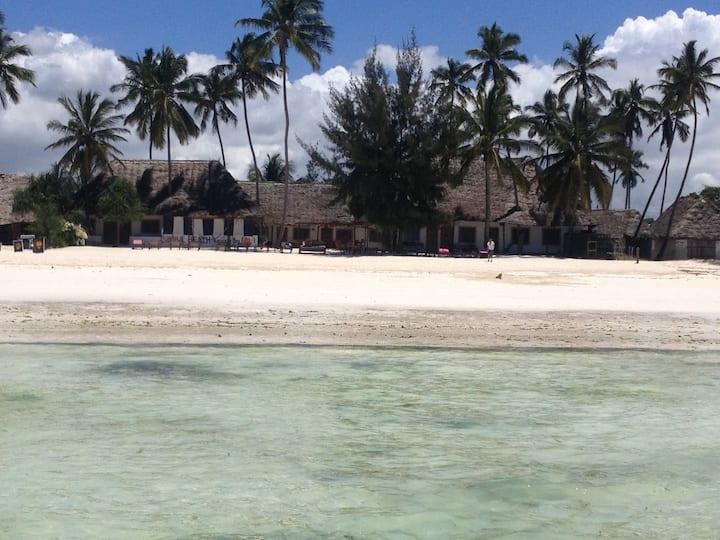 Simba Beach Ocean Resort- TRIPLE ROOM