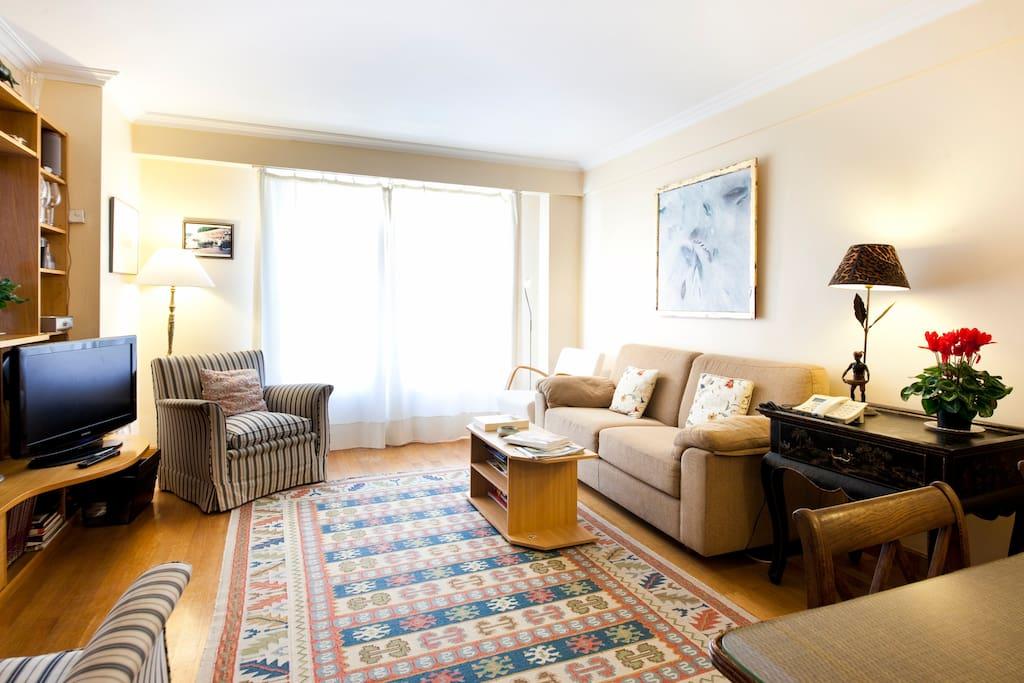 fantastique appartement la plage appartements louer saint s bastien pays basque espagne. Black Bedroom Furniture Sets. Home Design Ideas
