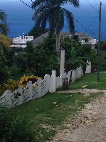Montego Bay Vacation Home (1 Bed)