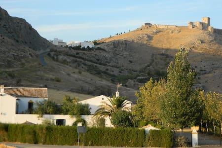 Casa Rural con encanto en Teba - Teba - House