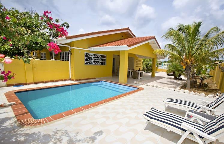 Villa Amarilla, centraal op Curacao - Daniel / St. Willibrordus - Casa de campo