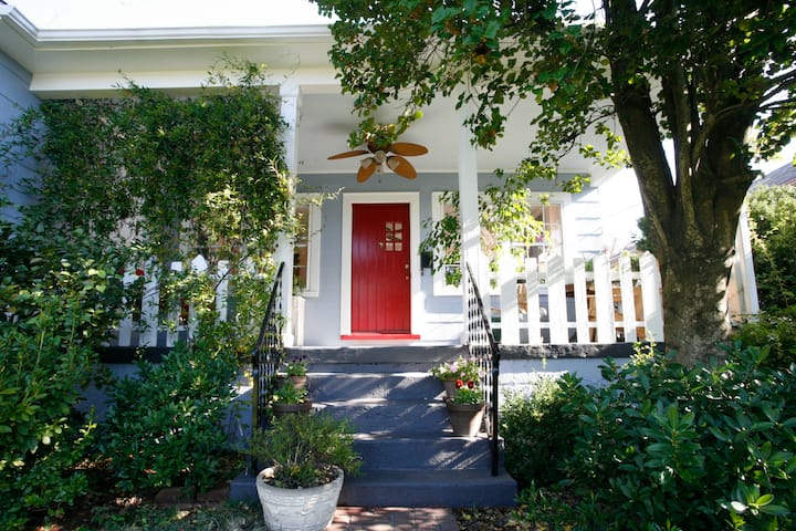 Do Drop Inn - charming 2BR bungalow