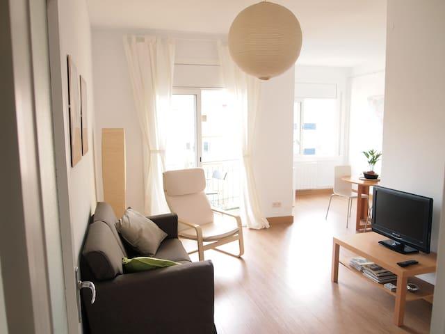 Sunny apartment in Gracia
