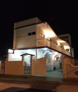 hostal rocco habitación triple 50 € por noche - Santa Marta