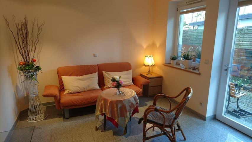 Chalet-Sanssouci (Schwielowsee/ OT Wildpark-West), Apartment, barrierefrei, 21 qm, komb. Wohn-/Schlafr., DU/WC, Küchenzeile