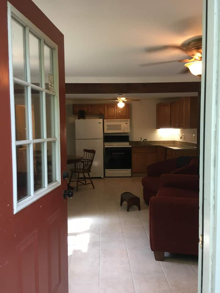 Harpers Ferry basement flat near Shenandoah river!