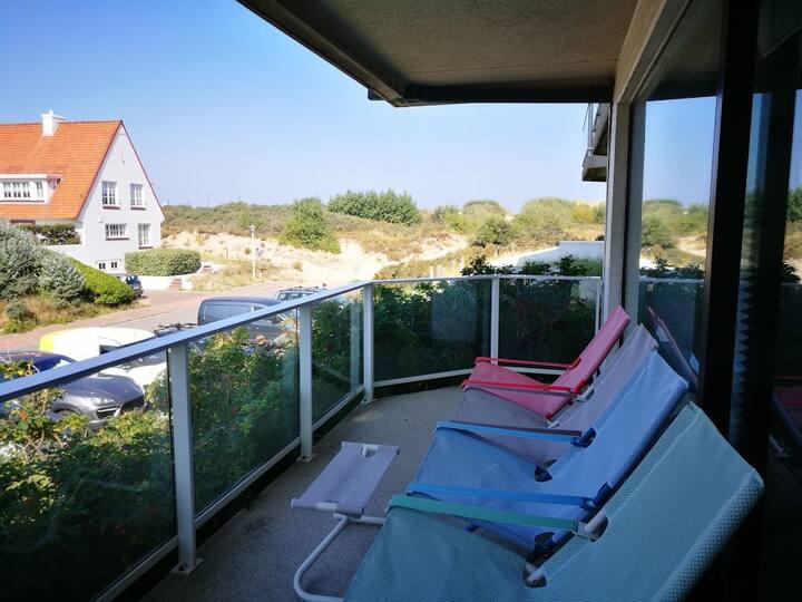 Zonnig appartement vlakbij strand