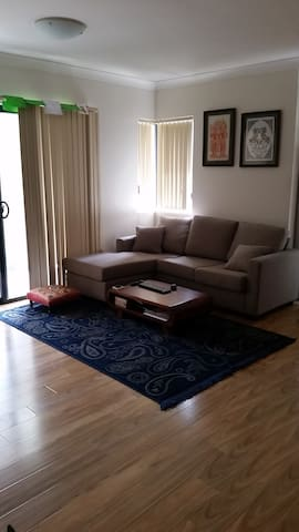 Private and central one bedroom apartment - Randwick - Appartement