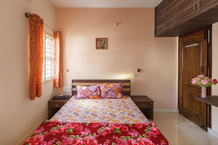 Entire Apartment 2BHK HomeStay - Second Floor (C4)