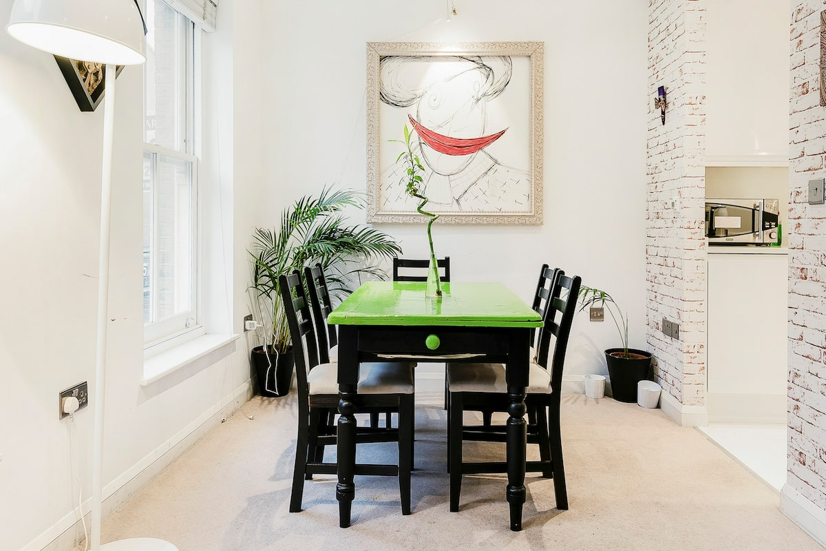Bright, Funky, and Arty Shoreditch Apartment Near Brick Lane