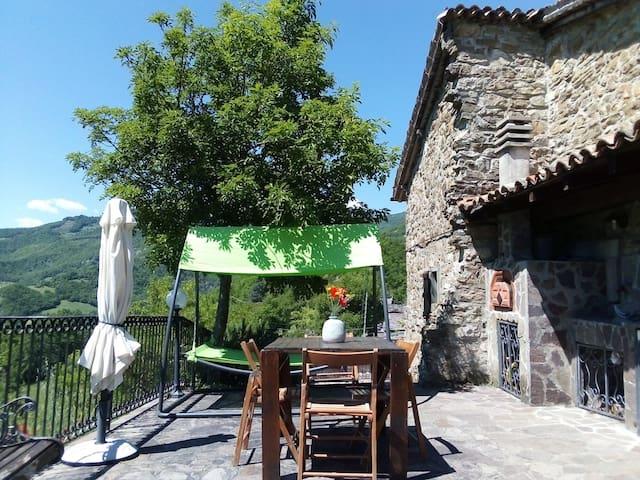 El Mirador - casa con vista a picco sul Trebbia