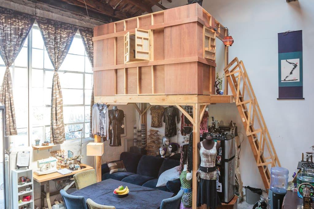 Large Indoor House Trees: Indoor Treehouse In Groovy Artist Loft