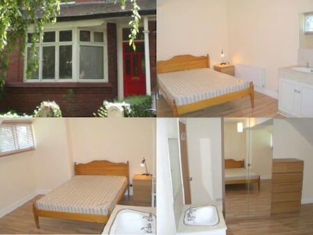 Extra Large Double Room in Didsbury