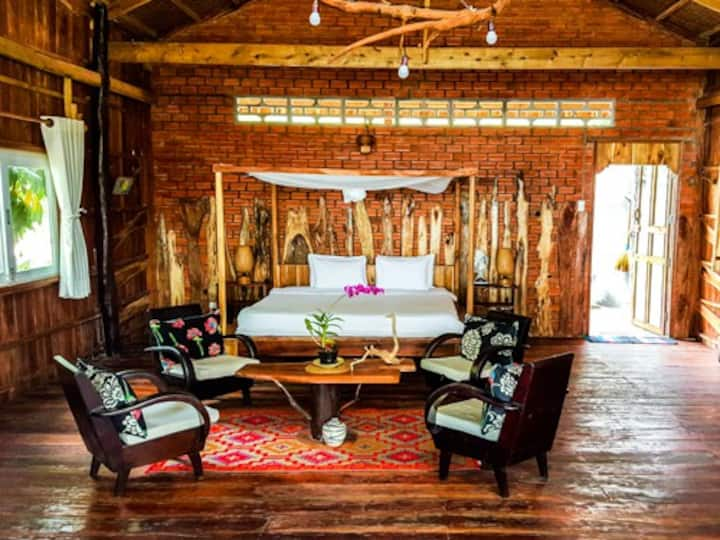 The Stilthouse at Bamboo Cottages