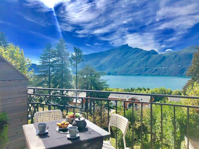 Magnifique T2 en duplex avec vue lac panoramique