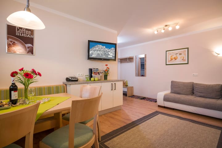 Fantastic Apartment with Terrace, Mountain View & Wi-Fi; Parking Available