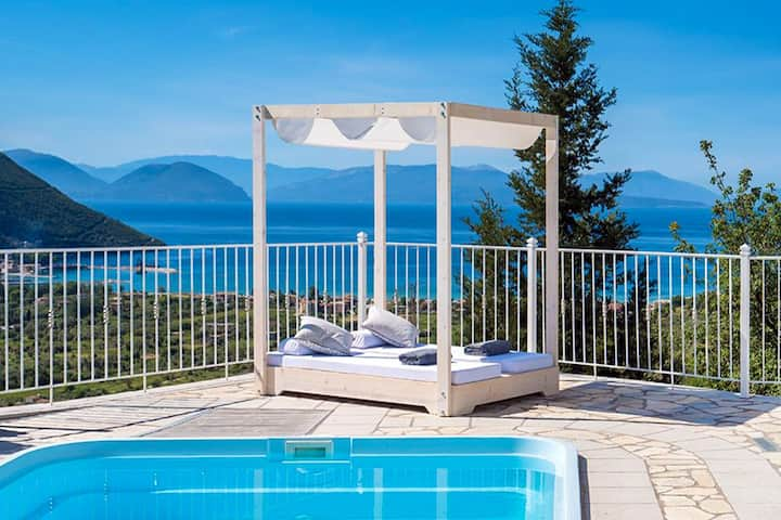 Villa Afteli with Private Pool and Sea Views
