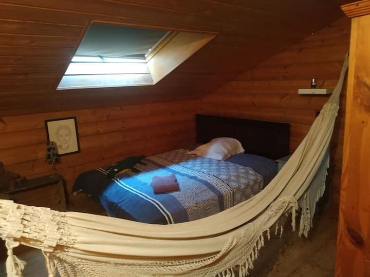 Chambre confortable ds chalet proche funiculaire