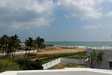 Penthouse with Amazing Sea view & AC - Pondicherry