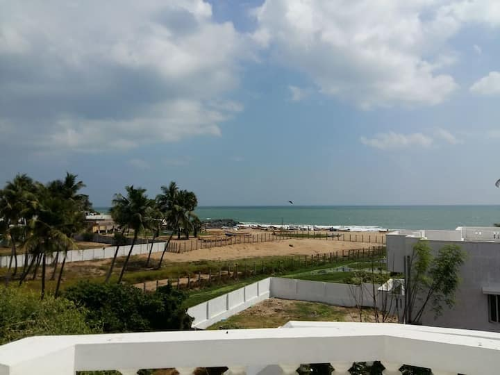 Penthouse with Amazing Sea view & AC - Pondicherry