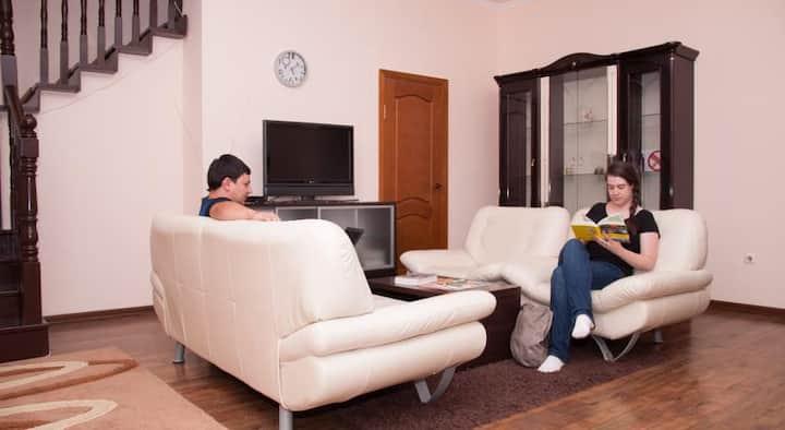 Almaty BackPackers Hostel 8 местная общая комната