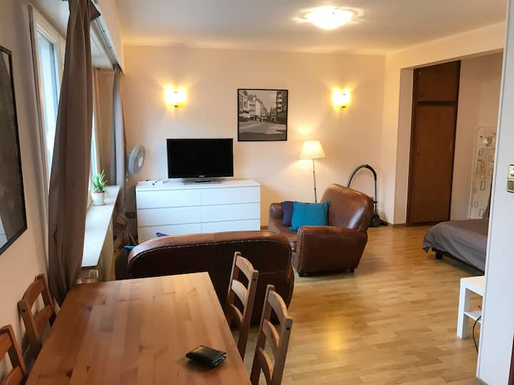 35m2 fully equipped studio, 15 min walk to town
