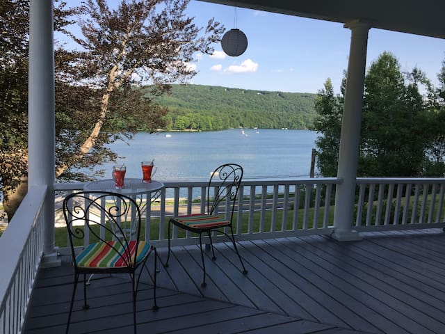 Berkshire Lakefront House with Amazing Views - Canaan - Rumah