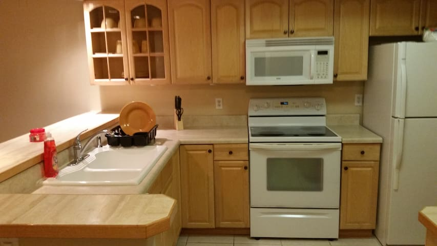 **Superb** Master Room Away From Home