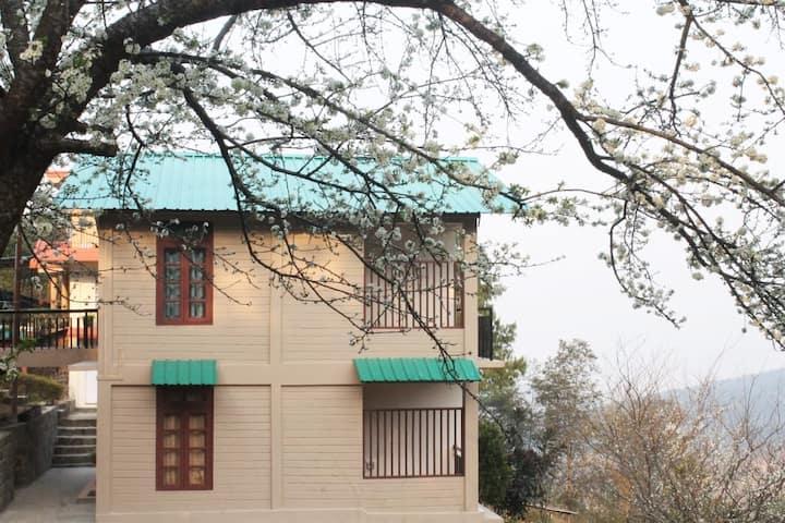 Cedar Homestay- cosy private room