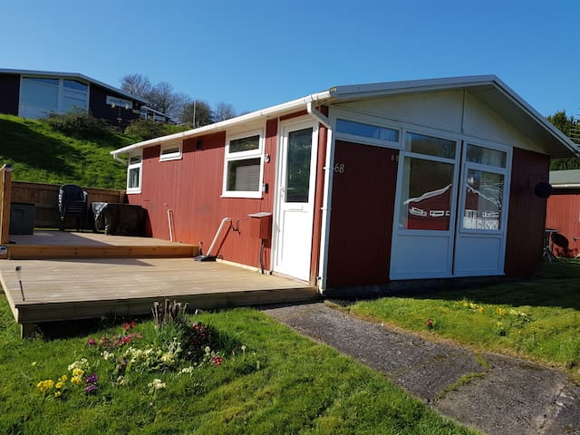 68 Elmrise Park, Self Catering Chalet