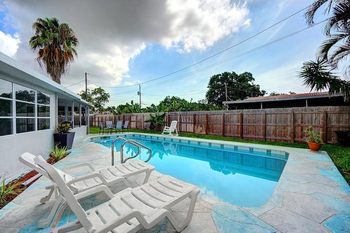 Hollywood Beach Pool Paradise Home Close to Miami