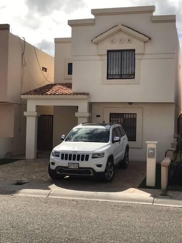 Casa amueblada - Hermosillo - Dom