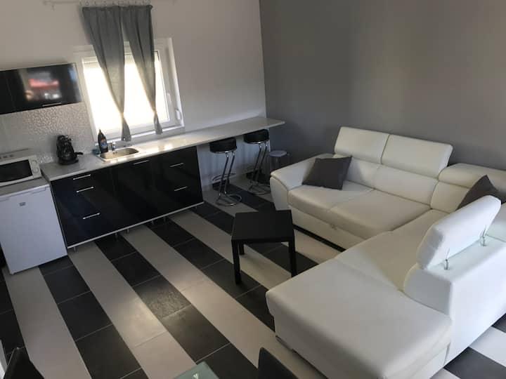 Fekete / Black Apartman