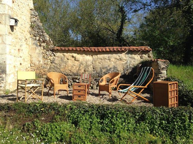 Dordogne, Charmante maison de Campagne. Ponteyraud