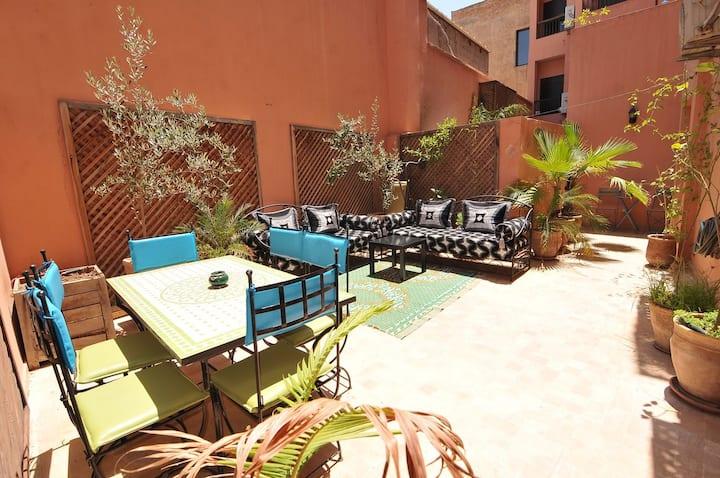 Appartement moderne-Patio privé 30m2-Gueliz centre