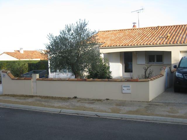 Maison avec terrain clos, sans vis à vis - Saint-Vincent-sur-Jard - Casa