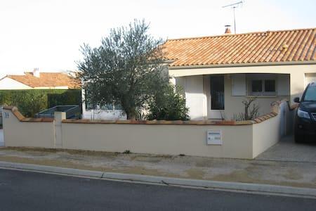 Maison avec terrain clos, sans vis à vis - Saint-Vincent-sur-Jard